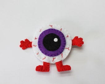 Brooch Monster of an eye Felt