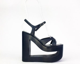 90s Cut Out Mega Platform Wedge Sandals // 6