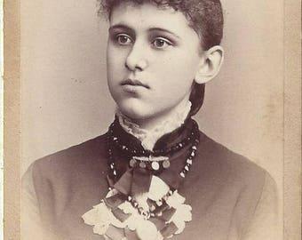 Vintage Young Woman Carte de Visite (CDV)  Photographer C.E. Lewis, Lebanon, New Hampshire, 1800s