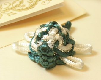 Chinese Knot Sea Turtle - white feel - as Keychain, Phone Charm, Bag Hang or Table Decoration
