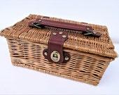 Vintage Wicker Purse, Basket Purse, Sewing Box, Picnic Sandwich Box