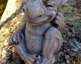 Gargoyle Statue, Silly Gargoyle Concrete Garden Decor, Cement Gothic  Fantasy Figure, Garden Troll