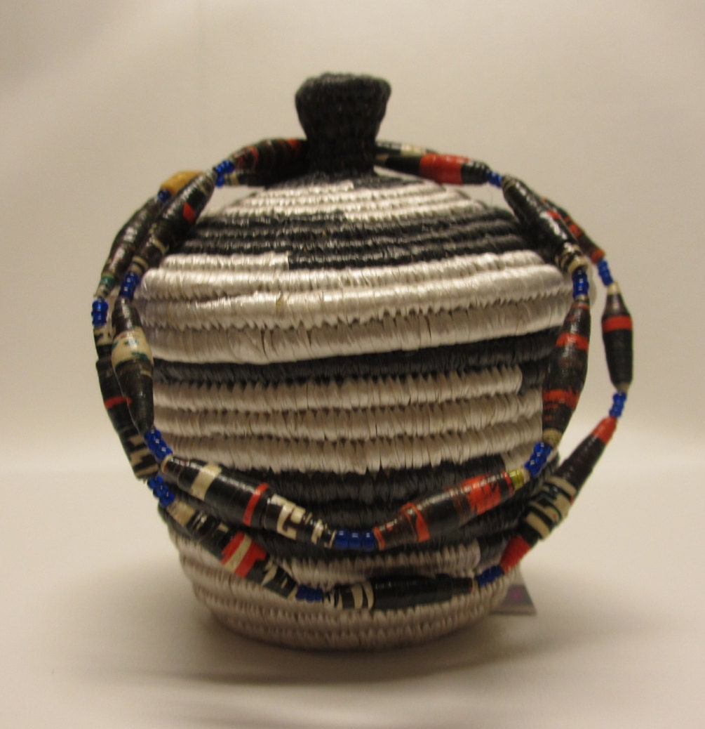 Handmade Baskets From Africa : Small black and white african woven handmade basket with lid