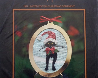 P. Buckley Moss 1997 Limited Edition CHRISTMAS ORNAMENT Counted Cross Stitch Kit