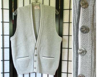 Vintage Sweater Vest 1960s 1970s McGregor Scandia Buttondown Gray White 40 S M Moose Buttons Unisex Heather Grey Wool