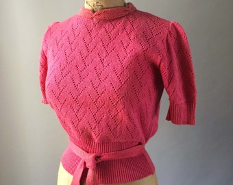 Pretty 1940s Bright Coral Pink Vintage Sweater Blouse Short Sleeve Knit Cotton Belt Detail