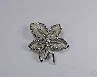 Vintage SILVER LEAF BROOCH Scarf Pin Signed Sarah Covington