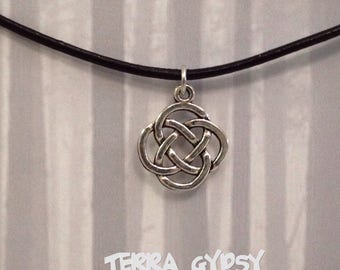 FREE SHIPPING, Celtic Knot Necklace, black leather necklace, leather necklace, celtic necklace, pagan necklace, celtic knot
