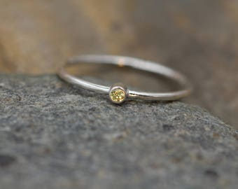 Yellow Sapphire Ring 2 mm - In Argentium Sterling silver - Thick Stackable - Round Texture - Dainty Sapphire Ring