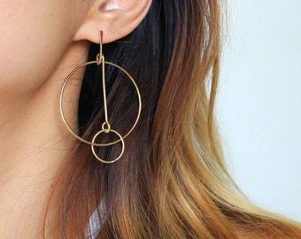 Sleek Double Circles Earrings. Minimal. Geometric style