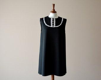 Black and white tunic dress, bib dress, black dress, aline dress, 60s dress, mini dress, Dolly dress, bibbed dress, vintage inspired dress