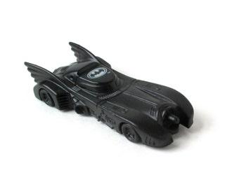 Batmobile Vintage Batman 1989 movie, Dark Knight, DC Comics, die-cast plastic, Matchbox, Hot Wheels