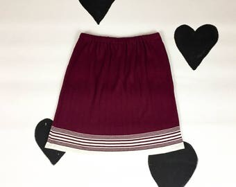 90s Oxblood Burgundy Ribbed Mini Skirt / White Racing Stripe / Size XL / Lightweight / Elastic Waist / Sporty / Tank Girl / Grunge / Plus /