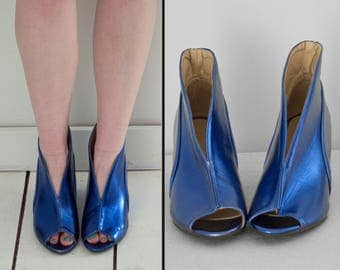 V Shaped Wedges 1990s Metallic Blue Ziggy Stardust Split Front Eu Size 38 US Size 7.5 to 8