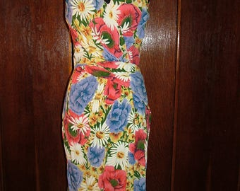 Vintage 1950s Bright Floral Print Crepe Georgette Wiggle Dress with Gorgeous Bust and Waist Gathers size Small