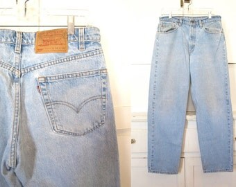 vintage 90s light wash 550 relaxed fit high waist levi 39 s jeans 34 x 30. Black Bedroom Furniture Sets. Home Design Ideas