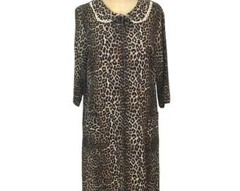 vintage 1960s leopard flannel nightie / cotton / pajamas pyjamas / lingerie / housecoat robe / women's vintage nightgown / size large