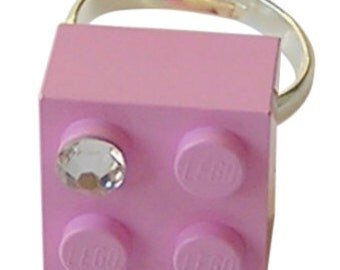 Light Pink LEGO (R) brick 2x2 with a Diamond color SWAROVSKI crystal on a Silver/Gold plated adjustable ring finding