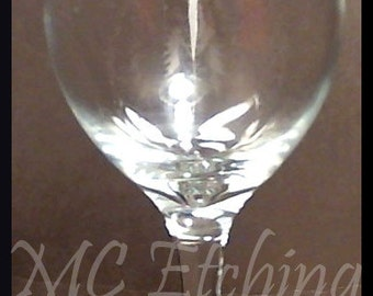 Winged D20 Wine Glass - Clear