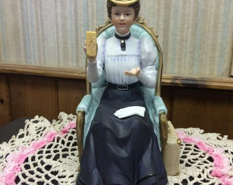 Vintage 1982 Avon Mrs. Albee Award Statue
