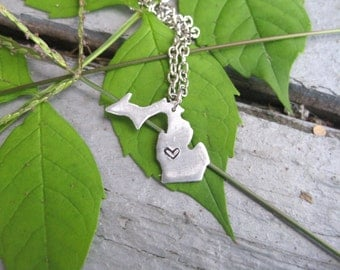 Michigan Necklace with Heart, Customized Michigan Pendant, State of Michigan Necklace, Michigander Necklace, I love Michigan