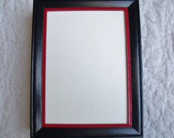 FRAME BLACK RED This frame is Black with a Thin Red Trim A Man would like this Frame