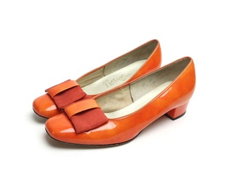 6 1960s shoes, orange shoes, orange pumps, 60s vintage size 65 shoes, mod 60s shoes, with bow, loafer, orange heels, orange flats, women's