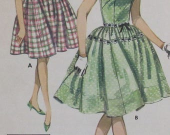 Vintage 1960s  Butterick Teen and Sub Teen Quick N Easy Full Skirted Dresss Sewing Pattern #2613  Size 14S