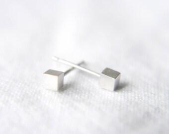 Cube stud earrings- Minimalist earrings- Geometric jewellery- Stud earrings- Cube earrings- Minimalist jewellery- Gift for her