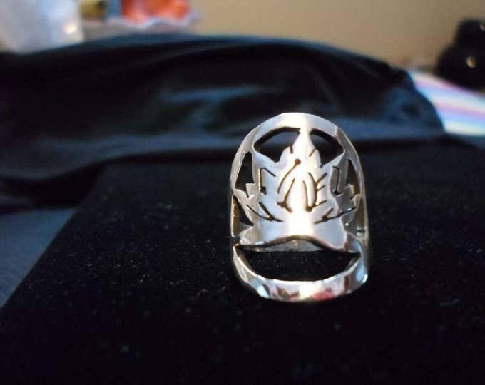 lotus ring quarter size