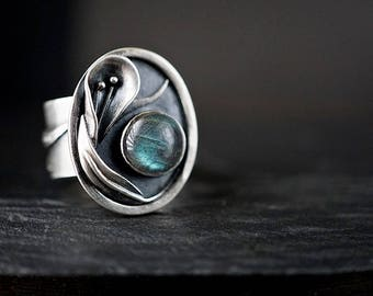 Sterling Lily Ring , Size 8 Wide Band Labradorite Ring , Botanical Jewelry
