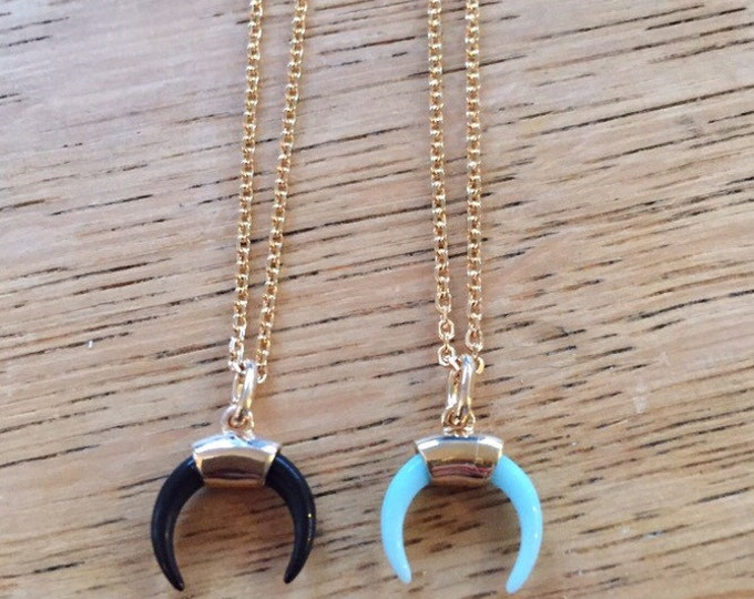 Necklace resin double Horn / Crescent Moon