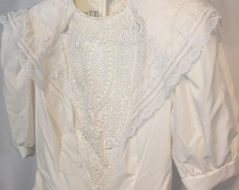 Vintage White Jessica McClintock Girls XL Womens XS 3/4 Short Sleeve White Dress with Lace  Bodice and Collar 80s Eighties Gathered Skirt