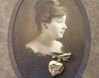 HEART LOCKET Brooch-Sweetheart Lapel Pin-Vintage Costume Jewelry-Ladies Fashion Accessory-Gold Tone Metal-Orphaned Treasure-020317B