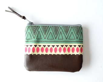 Womens Leather Wallet Pouch, Gift Card Holder, Boho Purse, Coin Zipper Pouch, Leather Change Purse, Teen Gift for Her, Small Zipper Wallet