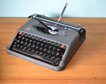 Vintage Aristocrat Empire Typewriter industrial 3195