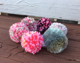 Pom pom cat toys, Yarn cat toys, set of 6, ready to ship