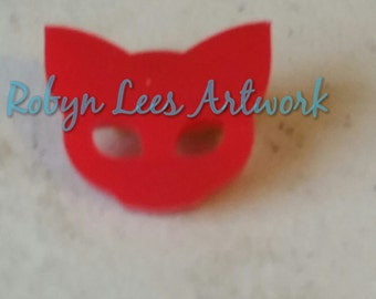 Small Red Cat Kitten Face Silhouette Outline Laser Cut Acrylic Brooch Pin on Gold Back. Animals, Pets, Eyes, Costume
