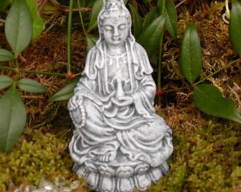 Kwan Yin Figurine,Goddess of Compassion Kwan Yin,Kuan Yin,Kwan Yin,Quan Yin Goddess Statue,Lucky Quan Yin Statue,Goddess Energy, Cement