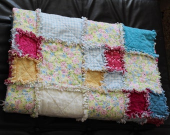 Ragtime Quilt, Rag Throw Quilt, Handmade Ragtime Quilt, Flannel Rag Quilt, Feminine Twin Quilt, Sofa Blanket, Flower Bedding Pastel Covering