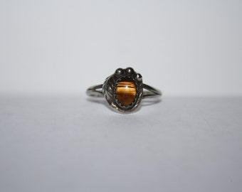 Vintage Ring with Sterling Silver and Petite Tiger Eye, Cat's eye size 7