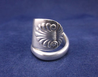 """FREE SHIPPING Vintage Handmade Silver Plate Spoon Ring 1900 """"Sultana"""" Beautiful Spoon Jewelry size 7"""