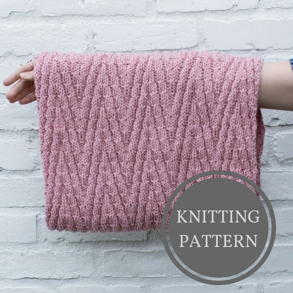 Cowl Knitting Patterns For Beginners : Minnewanka Cowl Pattern Beginner Knitting Pattern Easy