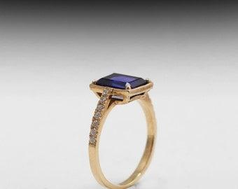 sapphire and diamond 14 karat gold ring