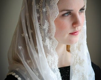 Evintage Veils~ Stella Maris Cream White OR Black Lace Chapel Veil Mantilla Infinity Latin Mass
