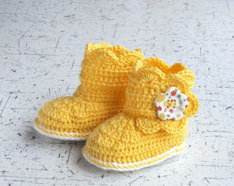 Yellow baby booties - Crochet baby booties - Yellow baby shoes - Baby girl boots - Button boots - Infant booties - Baby girl booties