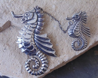 Vintage Mexican Sterling Silver Mama Seahorse with Baby Seahorse Pin / Brooch c. 1940's