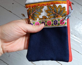 Pansy coin purse, Pink and burgundy clutch, flowered mini zipper pouch, recycled fabric card wallet
