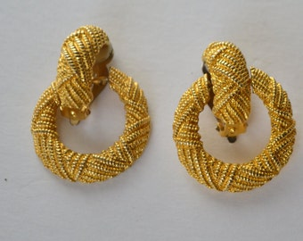 Vintage Gold Tone Textured Open Circle Loop Dangle Clip OnEarrings