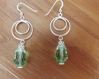 Circle earrings, green earrings, glass earrings, circle drop earrings, green dangle earrings, summer earrings, boho earrings